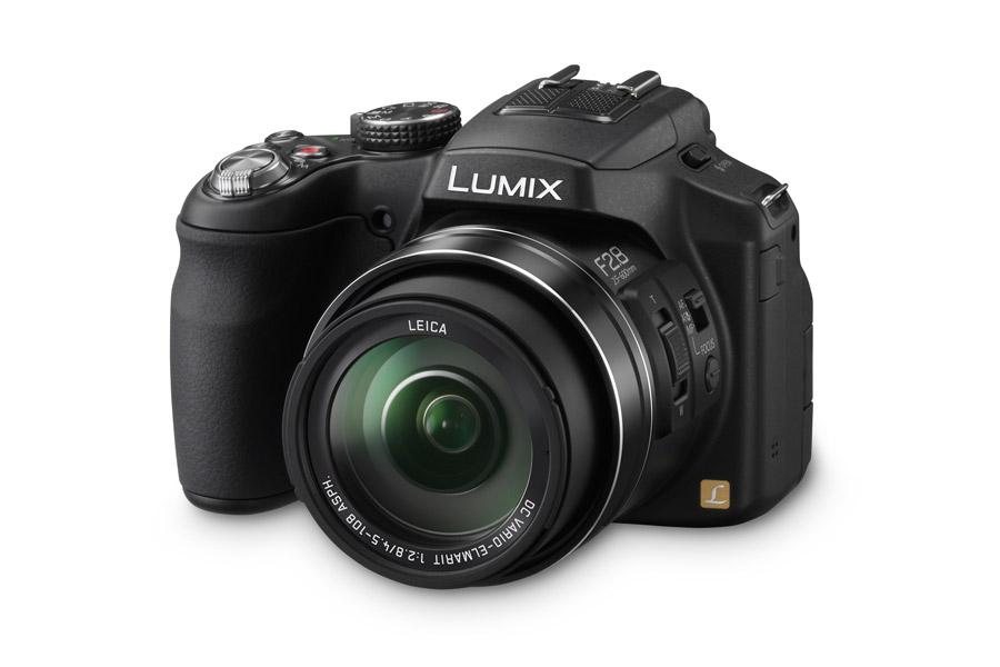 Panasonic Lumix FZ200 Bridge camera making difference in optics: Review & Specs
