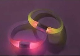 Wristband that glows when you get texts, notifications on your smartphone